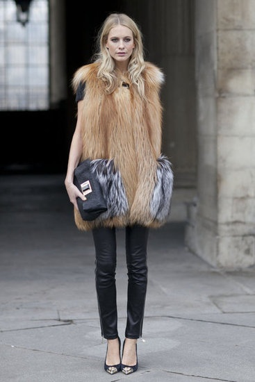Street-Style-Paris-Fashion-Week-Fall-2012-22016596