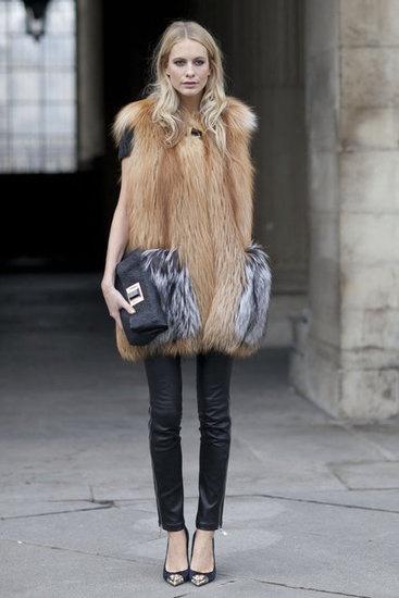 Street-Style-Paris-Fashion-Week-Fall-2012-22016596